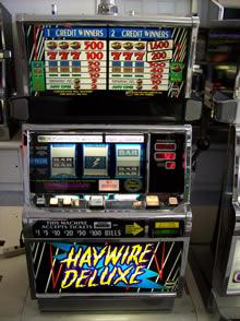 Haywire Deluxe Slot Machine